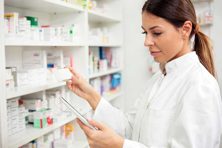 schedule 8 medicines pharmacist filling prescription