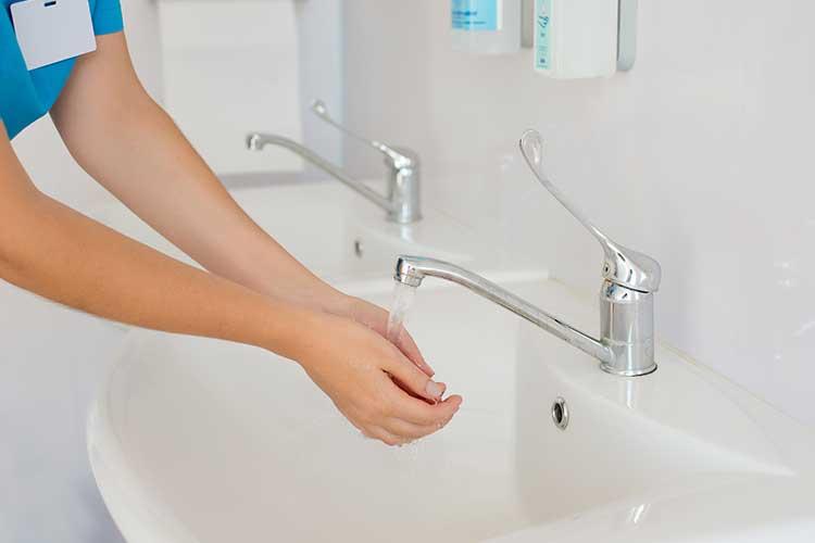 exposure prone procedures washing hands